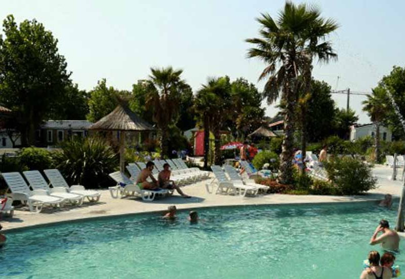 camping pays basque avec piscine oyam
